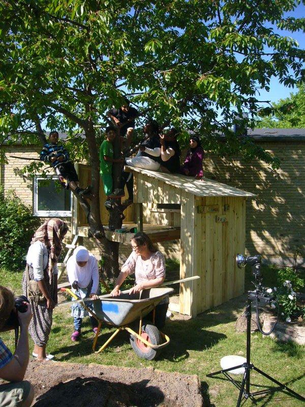 I Marianne Jørgensens projekt, Mini Haveby, er det skolebørn, der formgiver deres 'drømmeby'. (Pressefoto)
