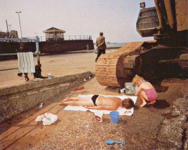 Martin Parrs serie The Last Resort er blevet det klassiske eksempel i fotografiets historie på et konsumsamfund i al sin groteskhed.