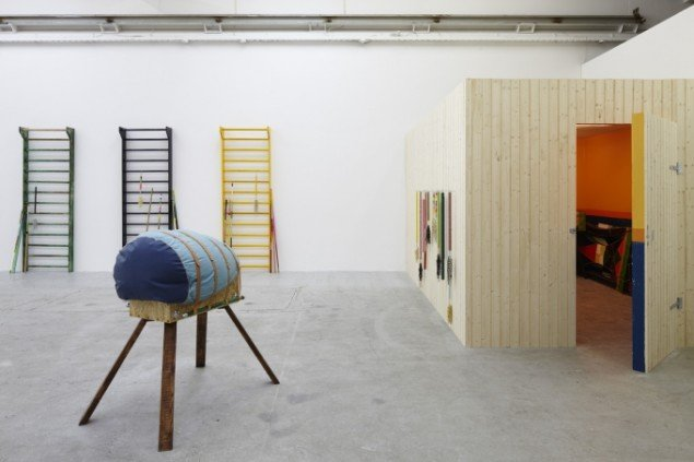 Installation view, Every Room has a Smell, IMO 2009. Foto: Anders Sune Berg