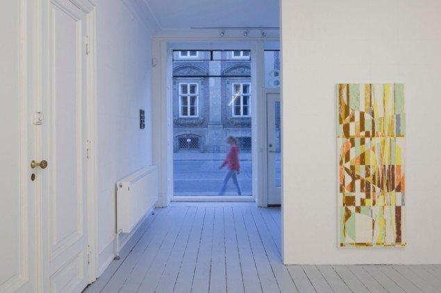 Udstillingsview fra Pine needles, Buttermilk, Paper Towels. Foto: Anders Sune Berg