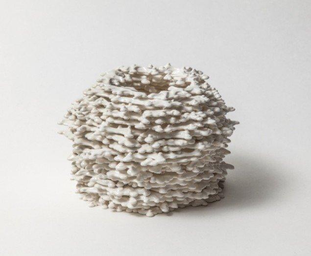 Karen Harsbo Cirkulær form 2013. Porcelæn. Foto: Ole Akhøj