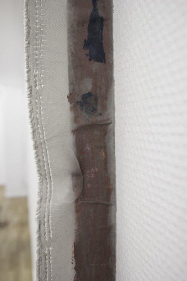Agnete Bertram, 2014. Olie på lærred, behandlet tekstil. På Nocturne, Udstillingsstedet Sydhavn Station. Foto: Morten Jacobsen