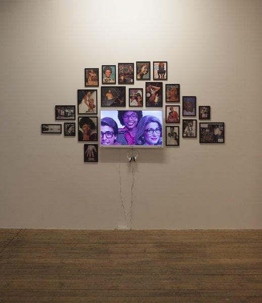 Sasha Huber: I love JaNY, Video og fotografi. Installationsview fra Possession. Art, Power and Black Womanhood, New Shelter Plan. Foto: Johan Rosenmunthe