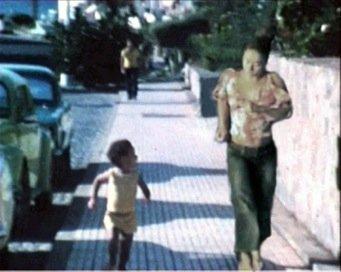 Jeannette Ehlers: Double Me, 2009. Videostill. På Possession. Art, Power and Black Womanhood, New Shelter Plan. Courtesy Gallery Momo, Sydafrika