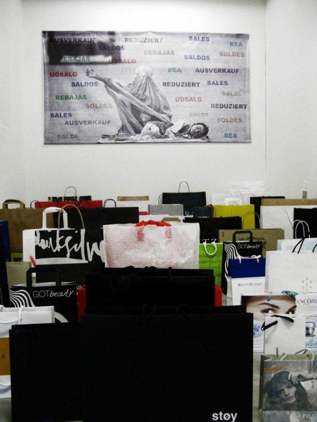 Eric R. Fajardo. Installationsview fra Shopping/Rest. Foto: Lars Heiberg.