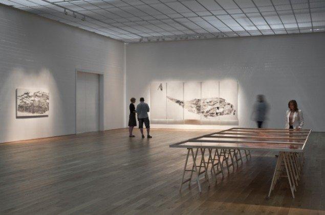 Installationsview af Oceanrummet på udstillingen HVALTEGN & DYRESPOR, 2011 på Fuglsang Kunstmuseum. Foto: Ole Akhøj