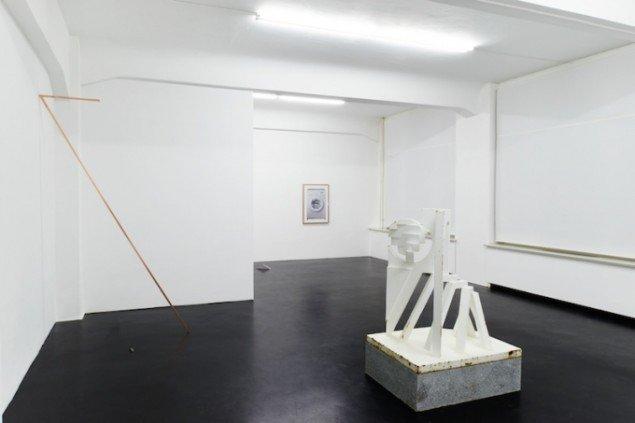 Installationsview fra udstillingen OT'JO, 2015, alexander levy, Berlin. Foto: A Kassen