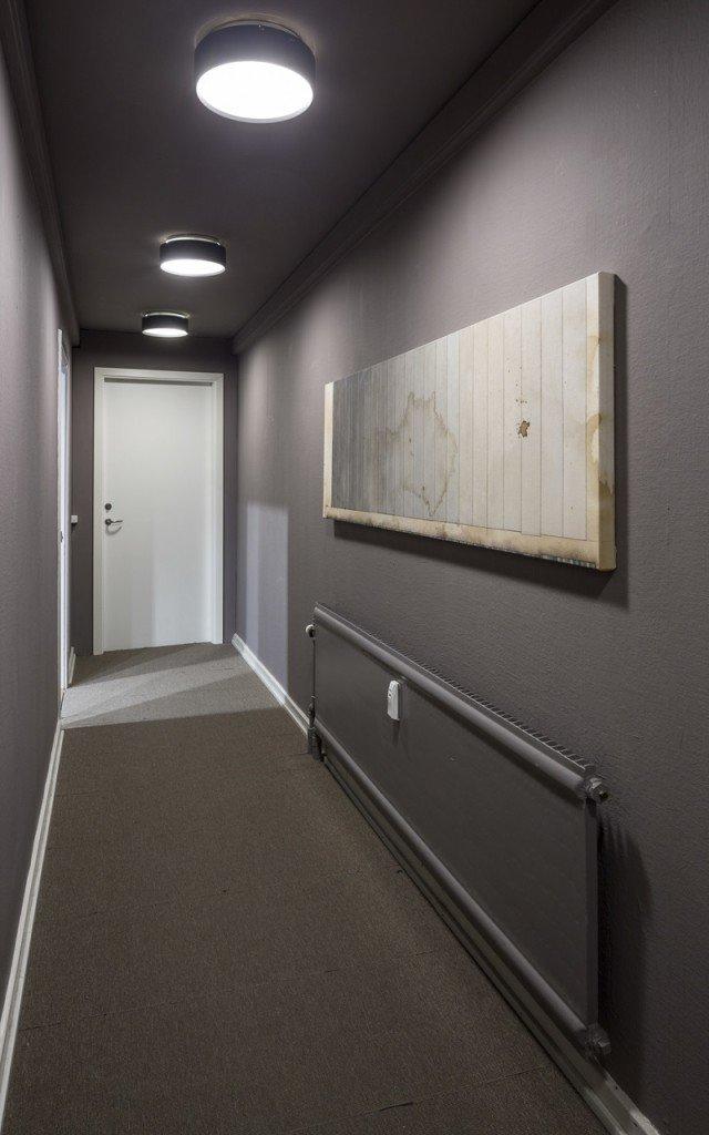Long, long, long, 2012. 60 x 210 cm, akrylmaling, kaffe, grafit og lak på lærred. Installationview, Long, Long, Long, Galleri Tom Christoffersen, 2012. Foto: Anders Sune Berg