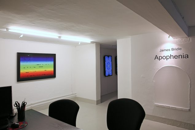 Venstre: Fraunhofer Lines 002, 2015. Ditone print. Højre: Anicon 001, 2014. Digital video, 05:00. Foto: Jens Møller
